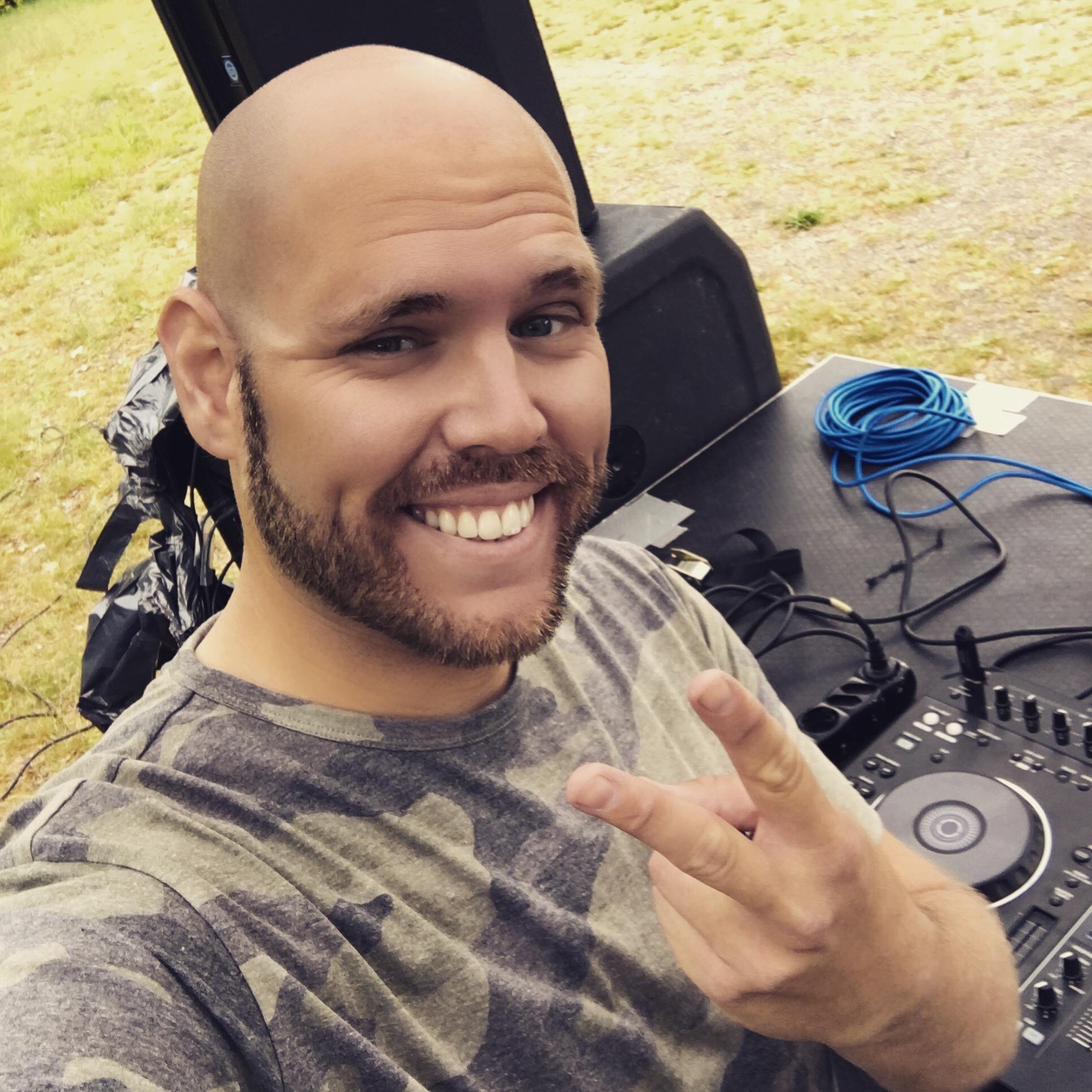 Michael Casado, medarbetare
